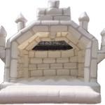 Springen & spelen in een wit kasteel