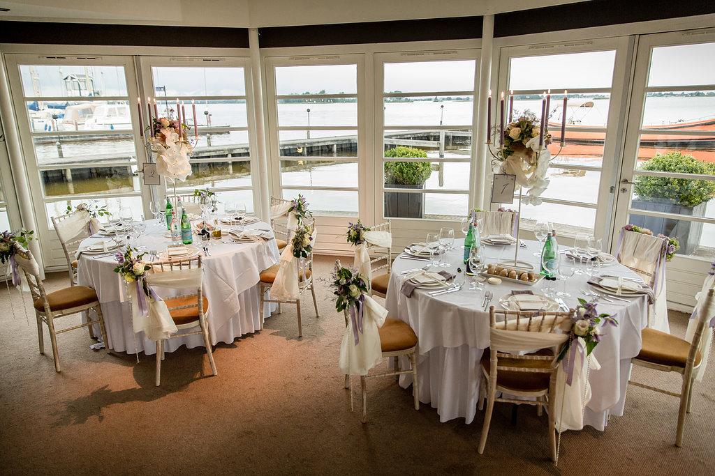 The shabby chic wedding een rustieke setting in stijlvol finley - Moderne huiszaal ...