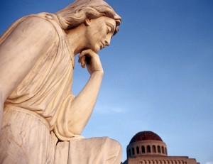 statue-pondering-1460276