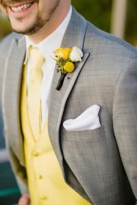 Bruidegom met geel
